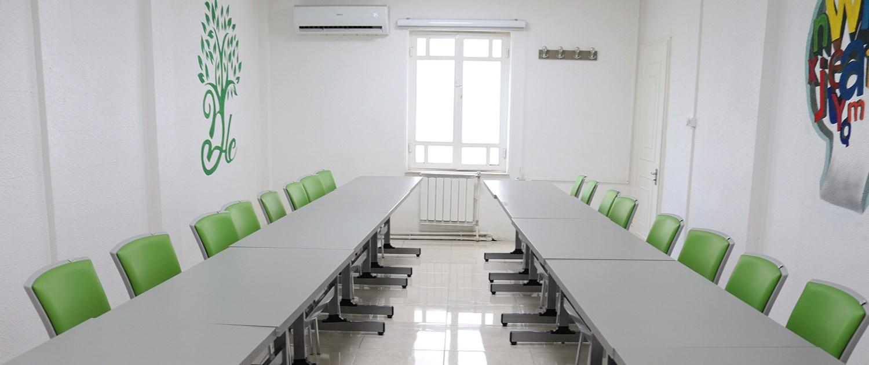 طراحی داخلی کلاس در مرکز زبان دیپلما